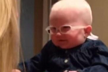 La reacción de un bebé que ve «por primera vez» a su madre