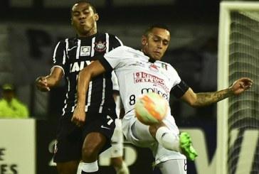 Corinthians avanza a fase de grupos tras empatar con Once Caldas