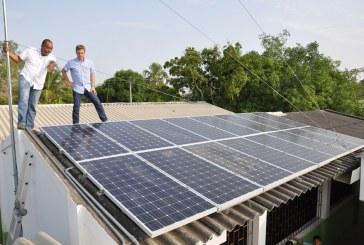Primer colegio de Colombia que funciona con energía 100% solar