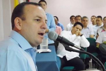 Hoyos invita al diálogo para solucionar paro de docentes