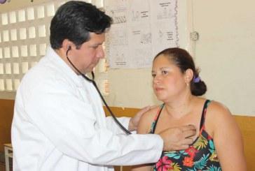 Médico Lara Sánchez apoyó brigada de salud en asentamiento