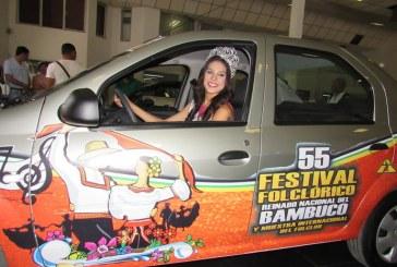 Reinas del Bambuco recibieron carro