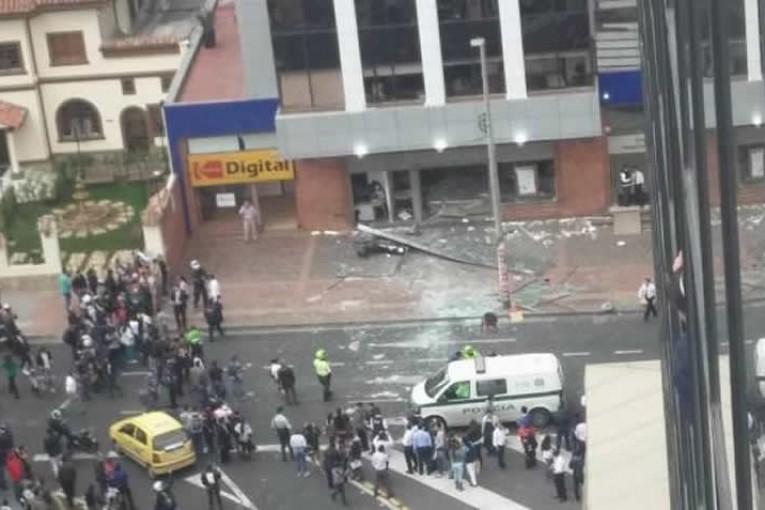 Seis heridos en dos explosiones en Bogotá