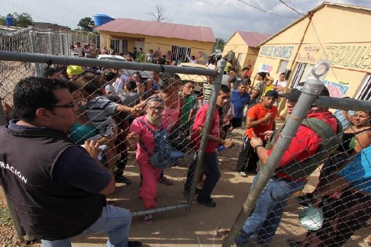 Deportaciones de Venezuela tensan la frontera con Colombia