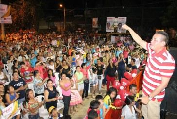 Comuna 5 respalda a Gorky Muñoz