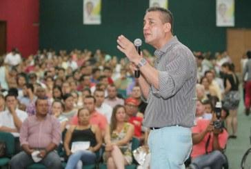 Gorky Muñoz presentó su plan de Gobierno a profesionales