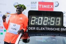 Fondista más rápido del mundo, Dennise Kimetto, en Media Maratón de Bogotá
