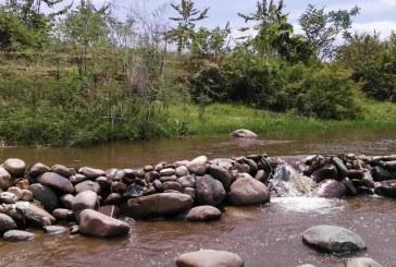 Control a concesionarios por desvío irregular del caudal del río Las Ceibas