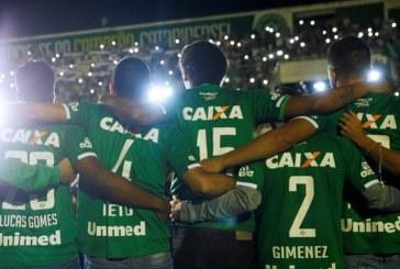 Agotadas camisetas del Chapecoense en todo el mundo