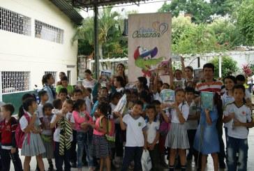 CAM entrega útiles escolares a estudiantes de escasos recursos