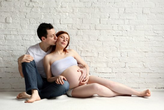 Papás en embarazo no podrán ser despedidos de su trabajo