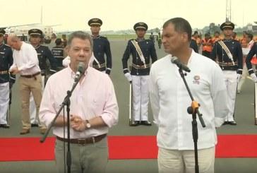 Santos llegó a Ecuador para encuentro presidencial