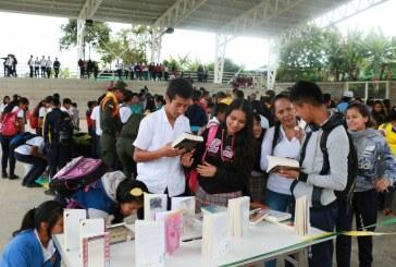 Zonas veredales cuentan ya con bibliotecas móviles