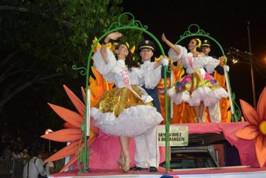 Desfile Nocturno aspirantes a Señorita Neiva Festival del Bambuco