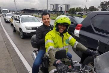 MinInterior usó moto de Policía para llegar a aeropuerto por trancón