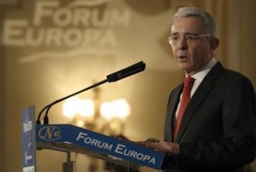 Uribe vuelve a arremeter contra los acuerdos de paz
