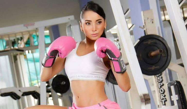 Murió modelo que fue atacada por sicario en gimnasio